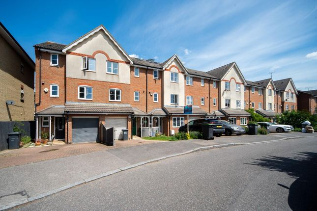 Thumbnail Property to rent in Osier Crescent, London