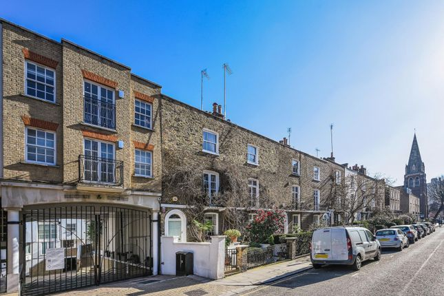3 bed property to rent in Park Walk, London SW10