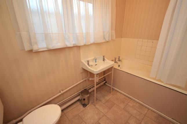 Bathroom of 1014 Prospecthill Road, Glasgow, Lanarkshire G42