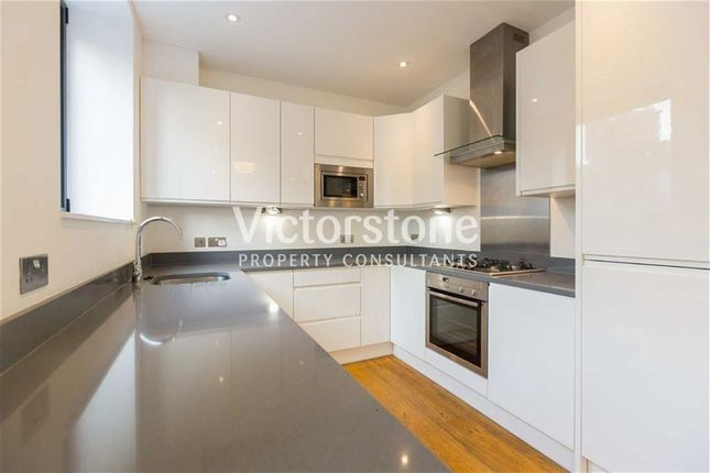 2 bed flat to rent in Hanbury Street, Shoreditch, London