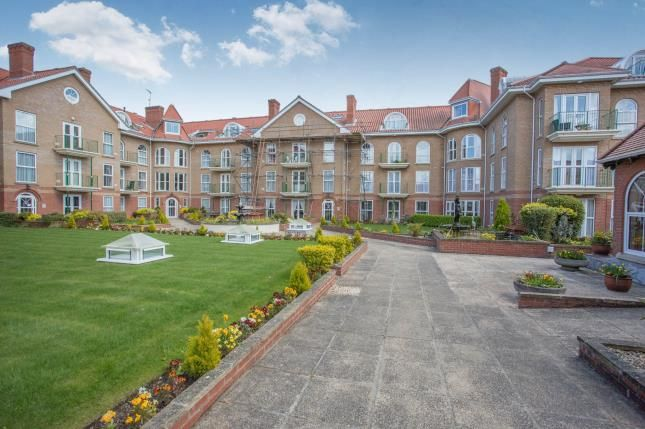 Thumbnail Flat for sale in Colne Road, Cromer, Norfolk
