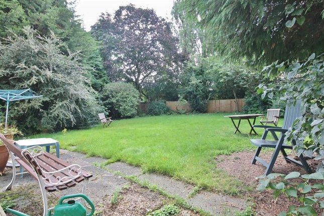 Photo 5 of Cambrian Way, Woolton, Liverpool L25