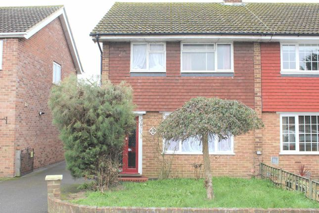 Thumbnail Detached house to rent in Laburnum Grove, Langley, Slough
