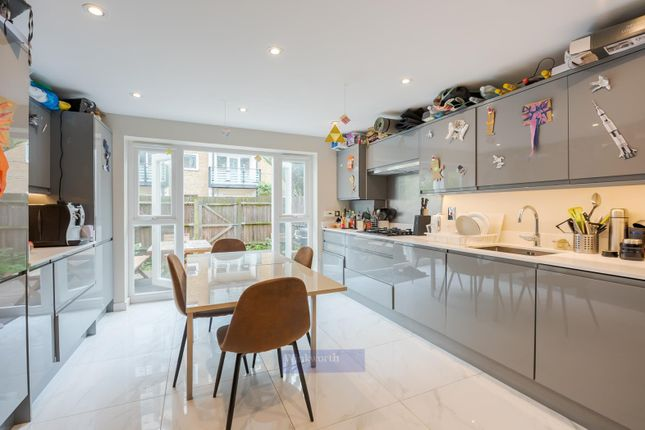 Thumbnail Property to rent in Merrow Street, London