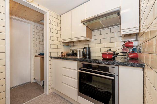 Kitchen of Cliff View Terrace, Camborne TR14
