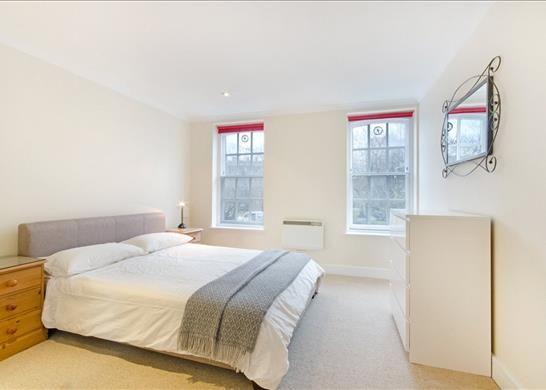 E14 Flat of Narrow Street, Limehouse, London E14