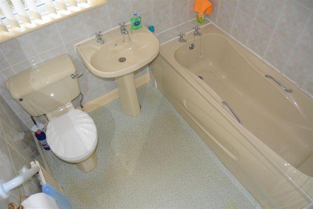 House Bathroom of Stanley Road, Ainley Top, Huddersfield HD3