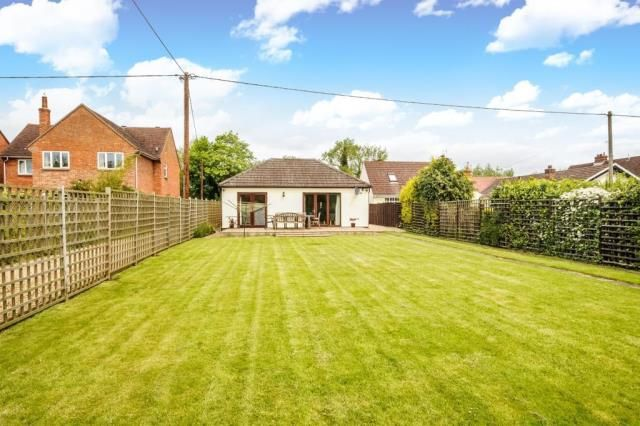 Thumbnail Detached bungalow for sale in Appleford Road, Sutton Courtenay