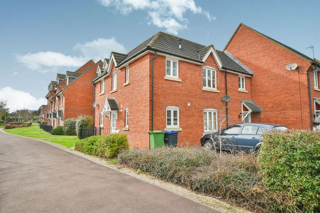 Thumbnail Flat for sale in King Edward Close, Calne