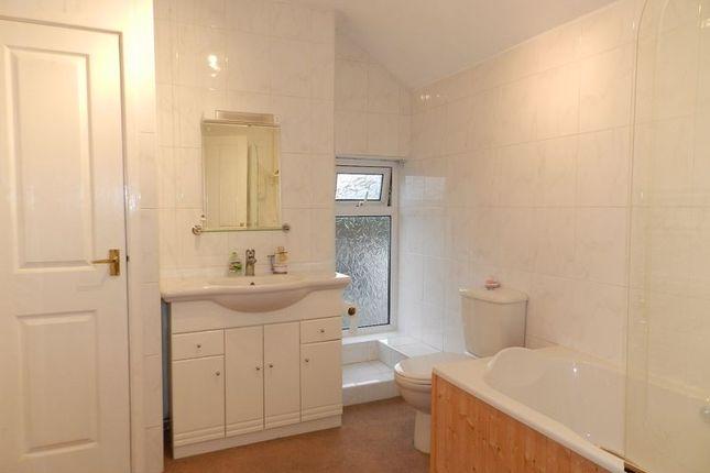 Family Bathroom of Cheltenham Terrace, Bridgend CF31