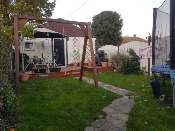 Garden of Fyfield Road, Rainham RM13
