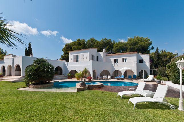 Villa for sale in Sol De Mallorca, Mallorca, Balearic Islands