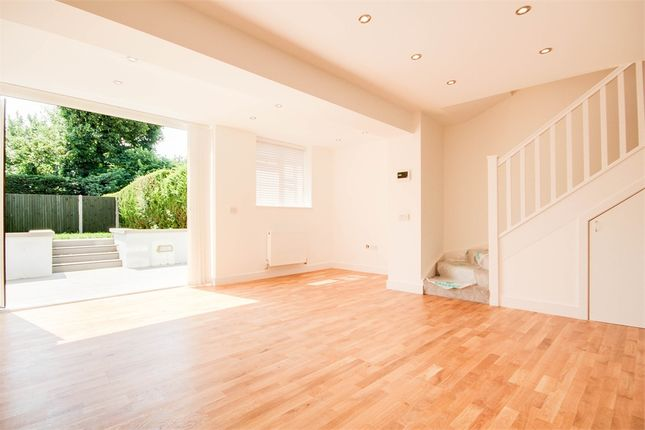 Thumbnail Flat to rent in Woodmansterne Road, Coulsdon