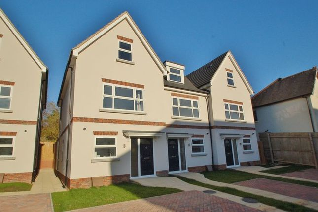 Thumbnail Terraced house for sale in Queens Road, High Wycombe