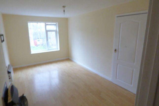 Thumbnail Flat to rent in Elmton Close, Hunslet
