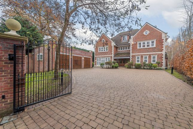 Thumbnail Detached house for sale in Oxhey Drive South, Northwood