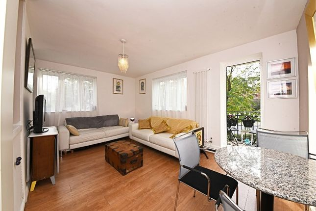 3 bed flat for sale in Canonbury Road, London