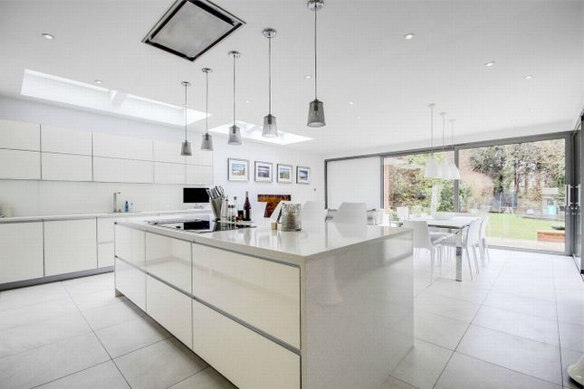 Thumbnail Detached house for sale in Purley Knoll, Purley
