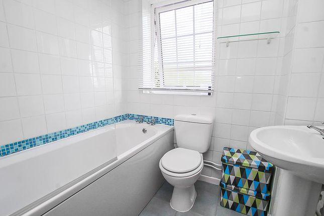 Bathroom of Longbeck Avenue, Mapperley, Nottingham NG3