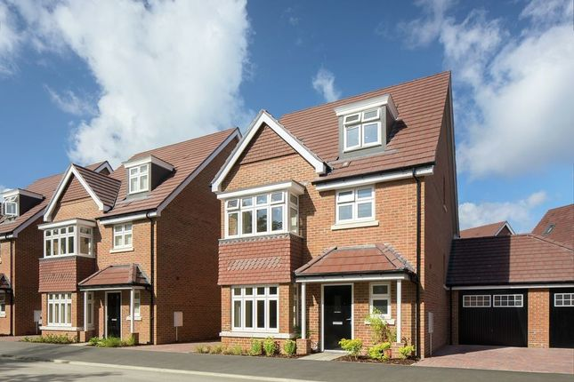 Thumbnail Detached house for sale in Woodlands Avenue, Earley, Reading