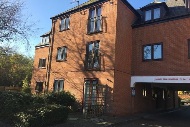 Thumbnail Flat for sale in Grove Road, Stratford-Upon-Avon
