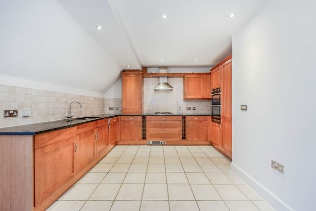 Thumbnail Flat for sale in Lewes Road, East Grinstead