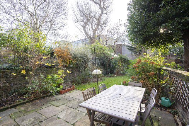 Garden of Colvestone Crescent, London E8