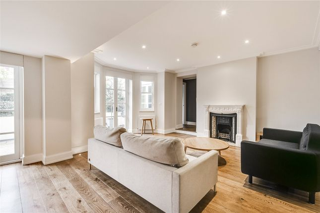 3 bed flat for sale in Russell Road, London