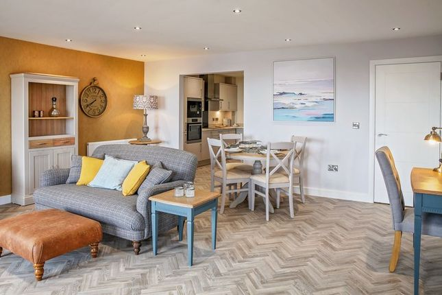 Thumbnail Flat for sale in Penthouse Apartment, Plot 22, The Lookout, Holbeck Hill, Scarborough