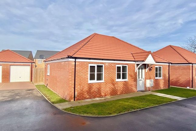 2 bed detached bungalow for sale in Whitby Road, Ormesby, Great Yarmouth NR29