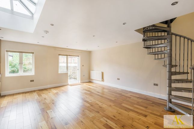 Thumbnail Flat for sale in Lower Clapton Road, London