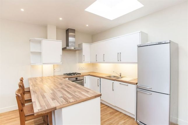 Thumbnail Bungalow to rent in Edgeley Road, London