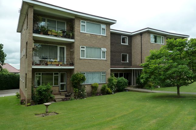 Thumbnail Flat for sale in Vesey Close, Four Oaks, Sutton Coldfield