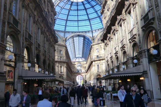 Thumbnail Commercial property for sale in Milan, Italy