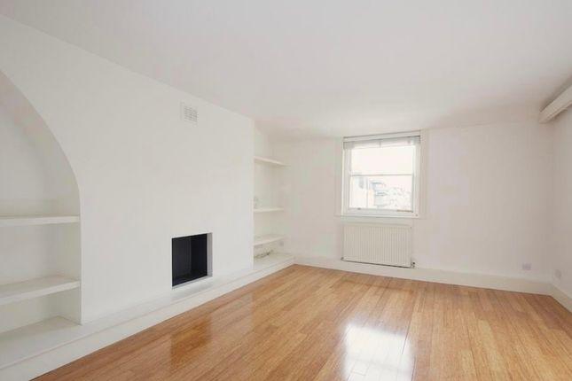 Flat to rent in Lower Belgrave Street, Belgravia, London