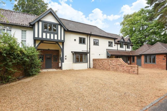 Thumbnail Terraced house for sale in Sunningdale, Berkshire