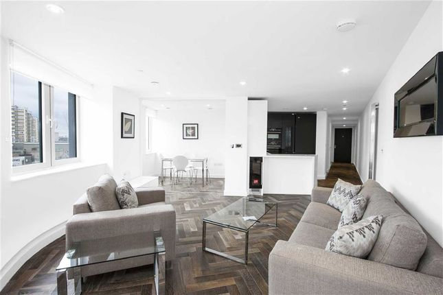 Thumbnail Flat to rent in City Road, Shoreditch, London