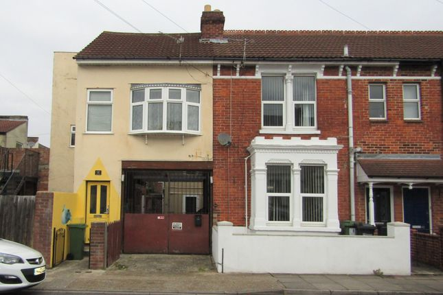 Thumbnail Maisonette to rent in Munster Road, Portsmouth, Hampshire