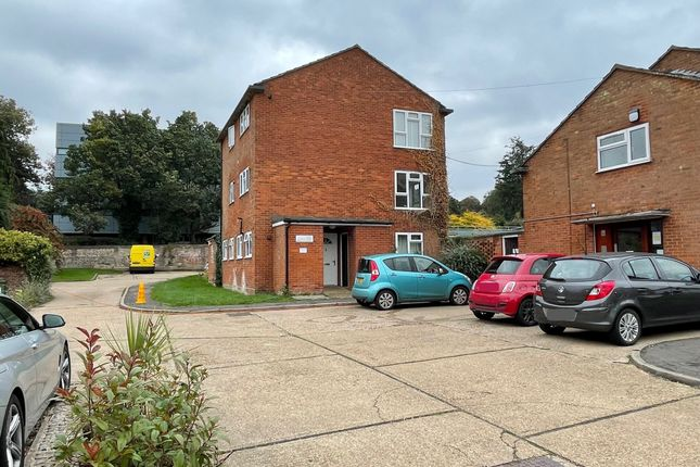 1 bed flat for sale in Surrey Place, Tring HP23