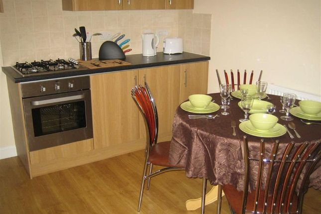 Thumbnail Terraced house to rent in Lancelot Road, Wembely, Middlesex