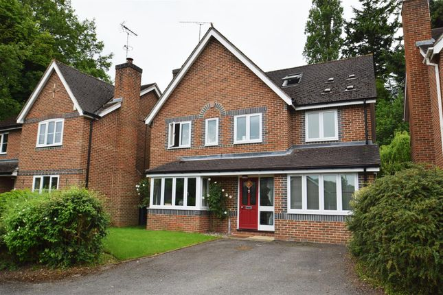 Thumbnail Detached house to rent in Hunters Chase, Caversham, Reading