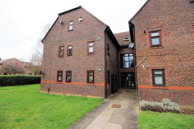 Front Approach of Brock Gardens, Reading RG30