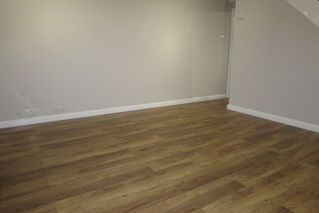 Thumbnail Flat to rent in Travellers Way, Hounslow West