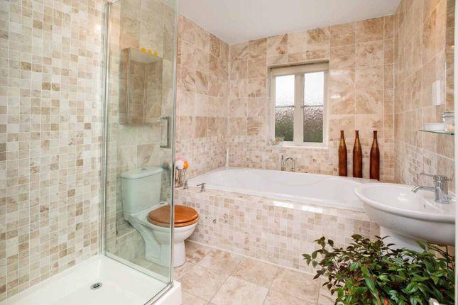 Bathroom of Gras Lawn, St. Leonards, Exeter EX2