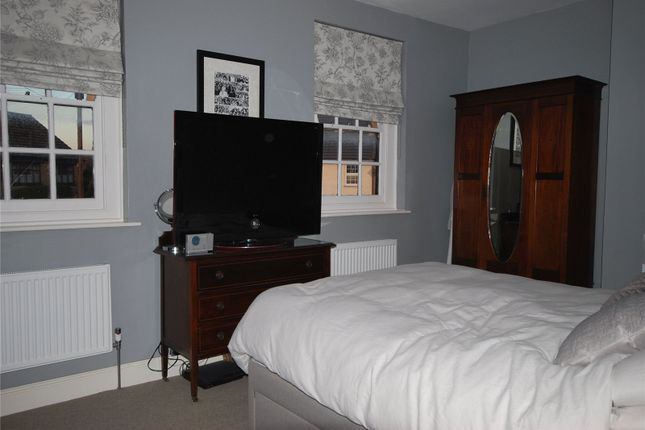 Thumbnail Semi-detached house to rent in Manchester Grove, London