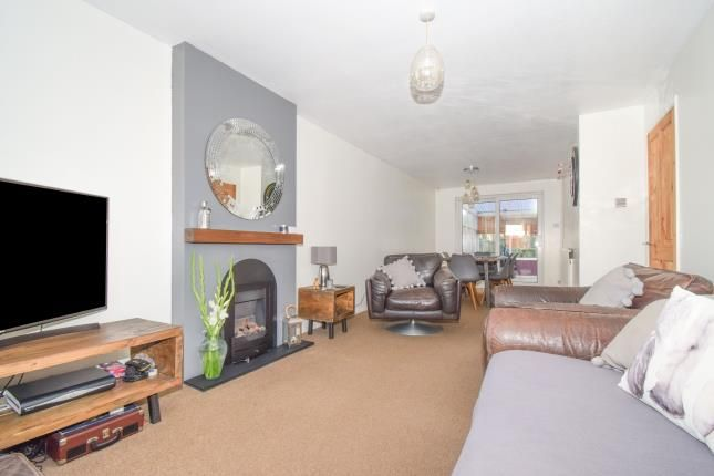 Lounge of Gelert Avenue, Leicester, Leicestershire, East Midlands LE5