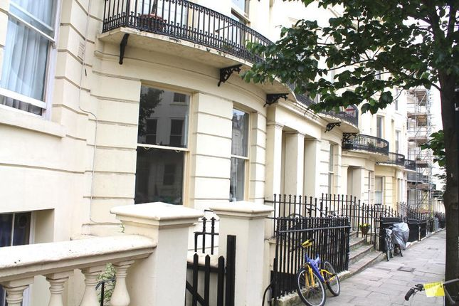 1 bed flat to rent in Brunswick Place, Hove, East Sussex