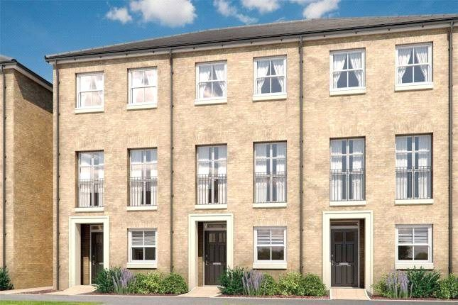 Thumbnail Terraced house for sale in Oakleigh Grove, Sweets Way