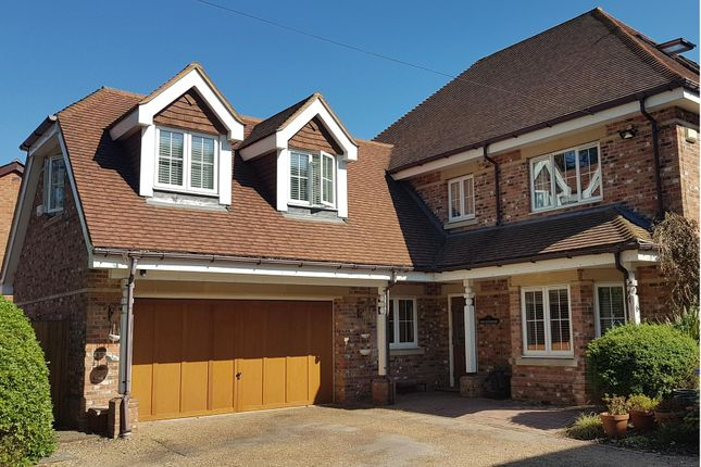 Thumbnail Detached house for sale in Popeswood Road, Binfield, Bracknell