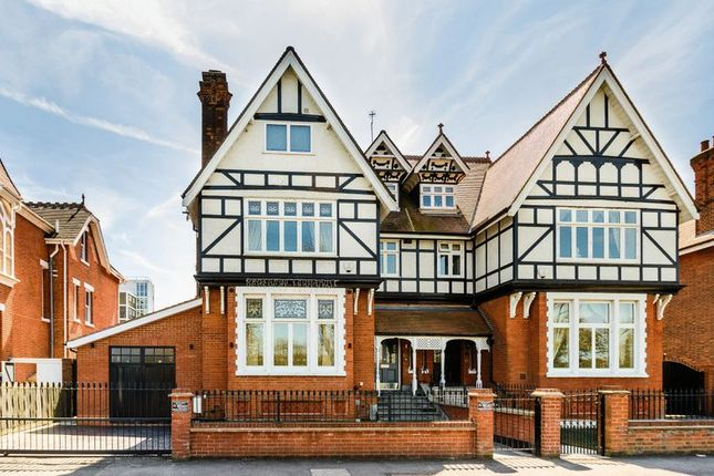 Thumbnail Semi-detached house for sale in Forest Avenue, Chingford, London